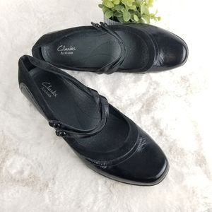 CLARKS Artisan Slip-on Strappy Black, Size 9.5